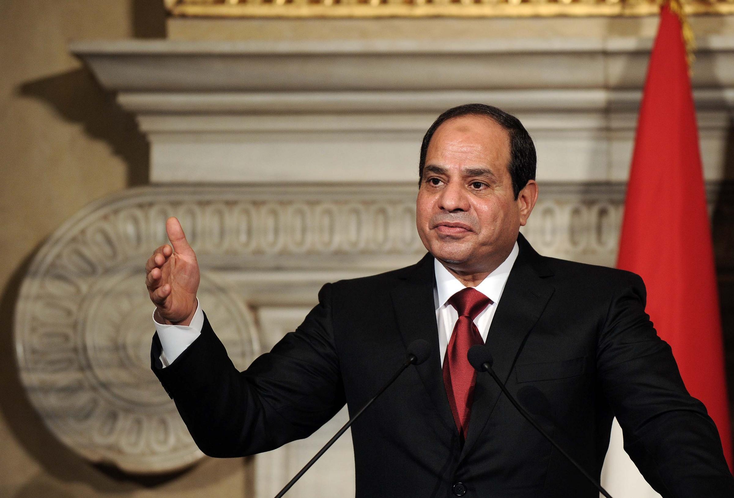 L'Unione Europea bacia la mano del regime egiziano