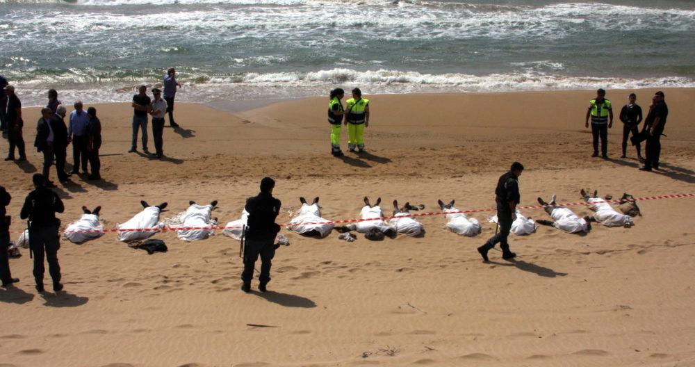 migranti-spiaggia